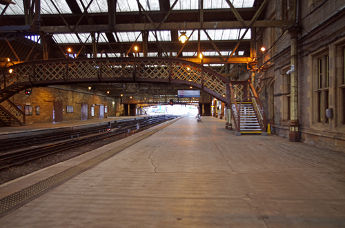 An interior view of Perth Station with the original footbridge.