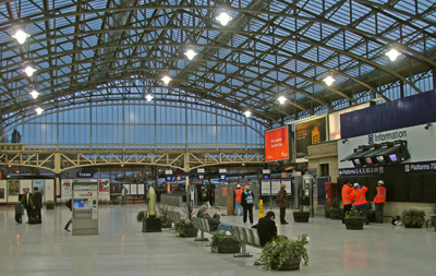 The main concourse of Aberdeen railway station