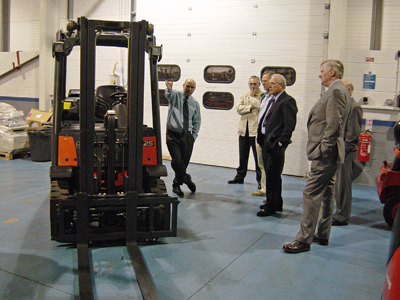 Members seeing the latest forklift during the tour of the Lansing Linde facility.